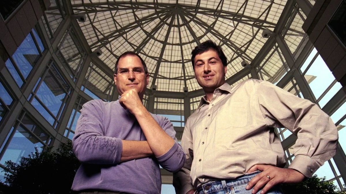 Steve Jobs and Avie Tevanian at the Apple HQ, 30 Sep 1999