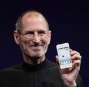 Steve Jobs presents iPhone 4