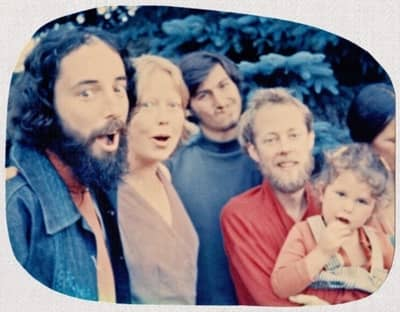 1975 - At the All-One-Farm commune in Oregon. Robert Friedland can be seen in the red shirt.