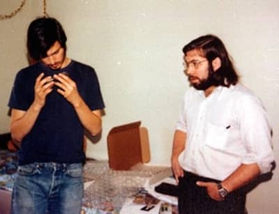 1975 - Steve with Woz in the Jobs household, assembling Apple I computers