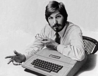 1980 - Steve Jobs poses with Apple II for an ad campaign