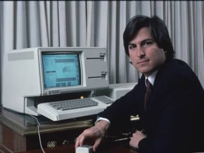 1983 - Steve Jobs with the LISA computer