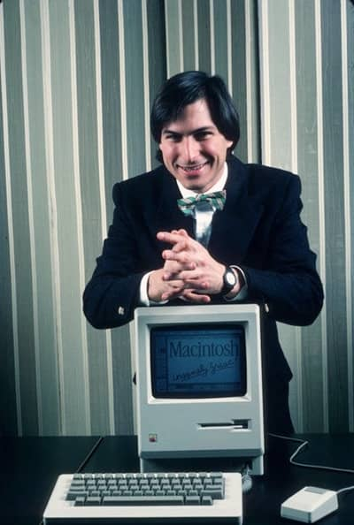 30 Jan 1984 - Steve Jobs poses with Macintosh on a NY press tour